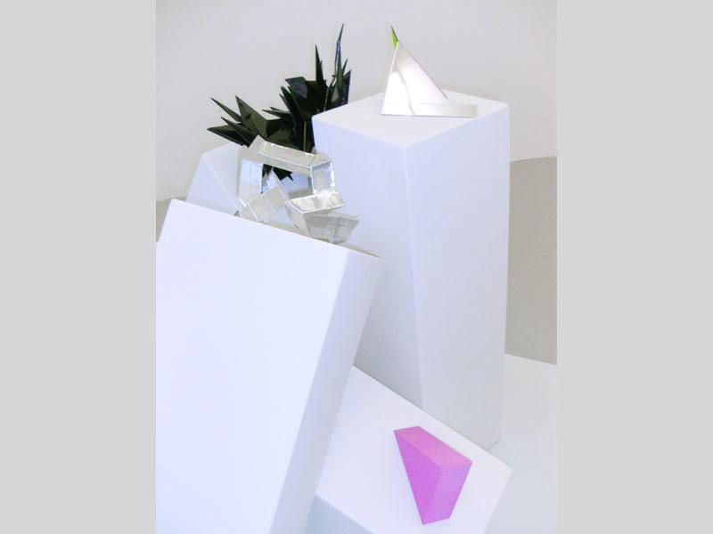Sandra Poppe - Objekte // Schaumstoff / Plastik / Spiegel / Aluminium / 2010
