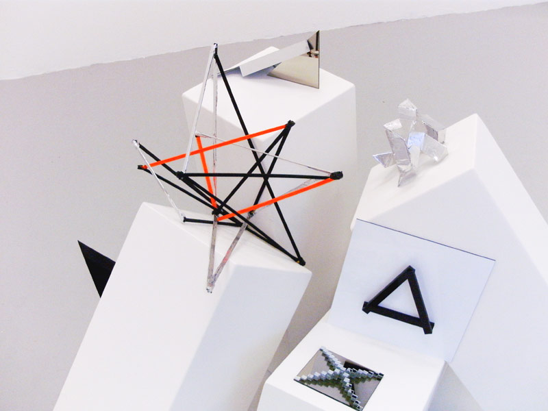 Sandra Poppe - Objekte // Holz / Acrylglas / Spiegel / Aluminium / 2010