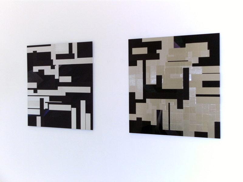 Sandra Poppe - Simultan // Aluminium Tape auf Acrylglas / Spraylack / Gaffa Tape / 75 x 75 cm/ 2011