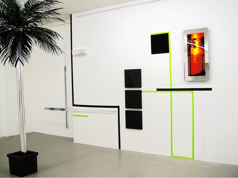 Sandra Poppe - MIAMIWEISS / Installation / Ausstellungsansicht Kunststoff